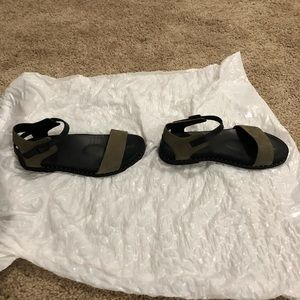Earth shoes sandals